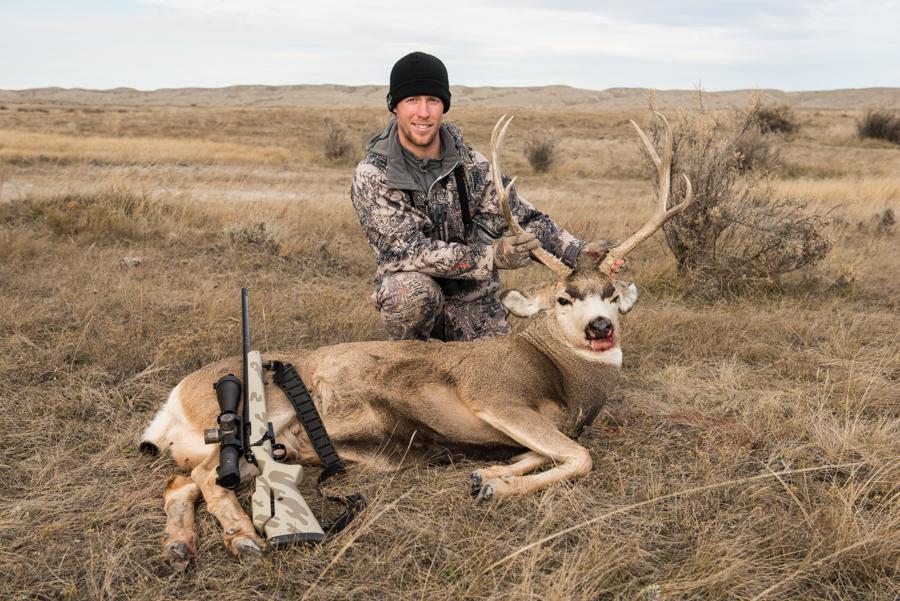 #hsmammo #hunting #deerhunting #muledeer #sitkagear #easternmontana #huntingshack